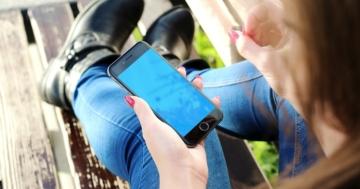 Smartphone junge Frau