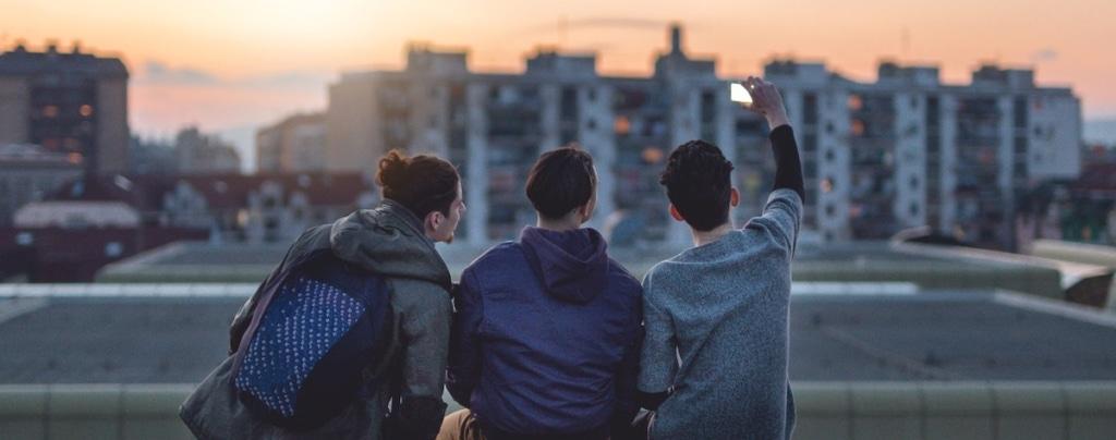 Vor allem Jugendliche bevorzugen viel Datenvolumen für Fotos und Streamen von Videos